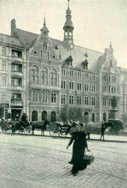 250px-1895_rathaus_schoeneberg
