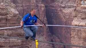 nik-wallenda-s-successful-tightrope-walk-over-grand-canyon-covered-by-discovery-channel